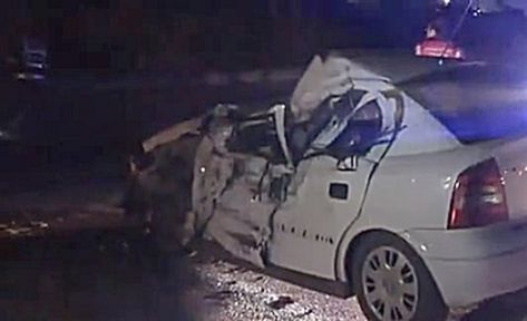 2 TIR ve 1 otomobil çarpıştı 1 ölü