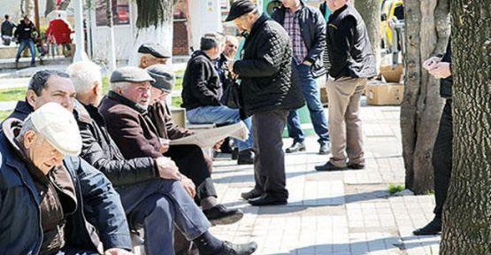 65 yaş üstü her gün belirli saatlerde sokağa çıkabilecek!