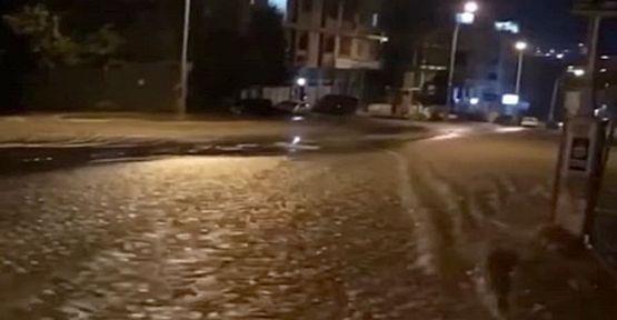 Ana su şebeke hattı patladı evleri su bastı!