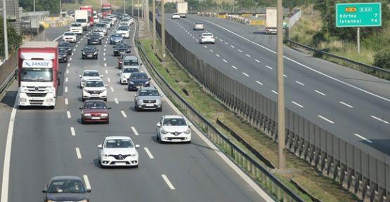 Anadolu Otoyolu'nda araç yoğunluğu
