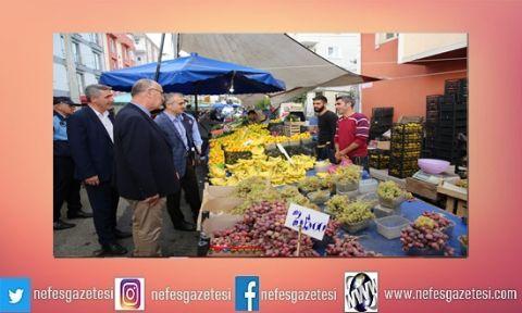 Başkan Çiftçi pazarı gezdi