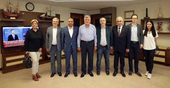 Başkan Karaosmanoğlu, ''Geleceğe kılavuz bir gençlik yetiştiriyoruz''