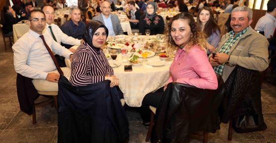 Başkan Karaosmanoğlu, hemşireler ve sağlık çalışanlarıyla buluştu
