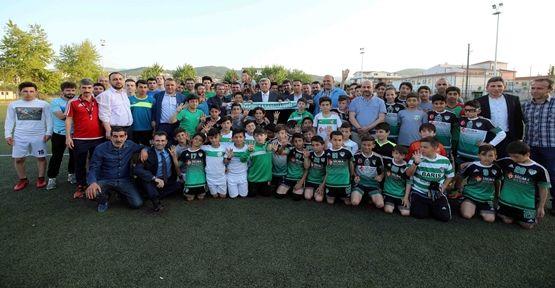 Başkan Karaosmanoğlu'ndan, Hisareynspor'a sürpriz ziyaret