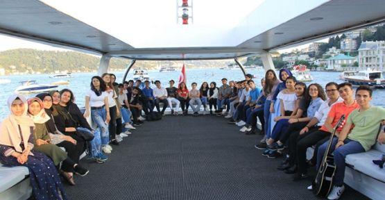 Çayırova Belediyesi Hedef Gelecek Öğrencileri İstanbul'u Denizden Keşfetti