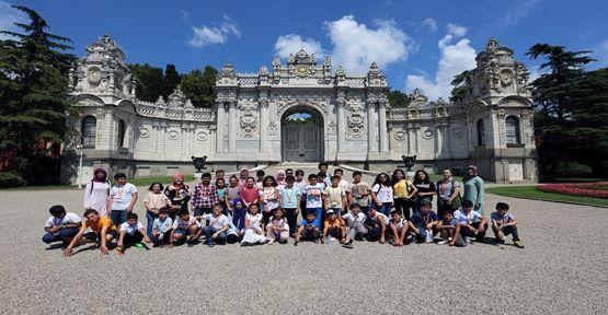 Çayırova Belediyesi Yaz Okulu Öğrencileri Dolmabahçe Sarayı ve Miniatürk'ü Ziyaret Ettiler