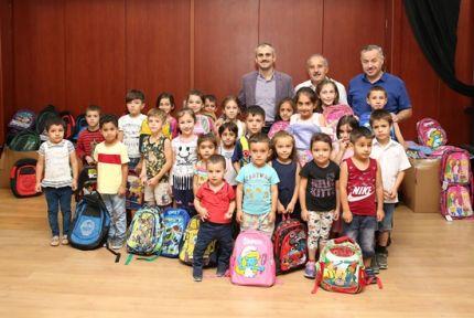 Çayırova Belediyesinden 1000 öğrenciye kırtasiye yardımı
