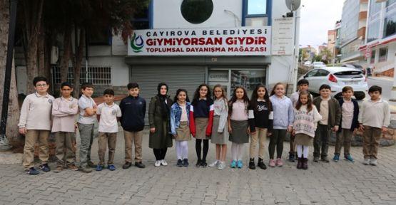 Çayırova Belediyesi'nden  Giymiyorsan Giydir Projesi