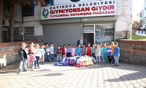 Çocuklardan Toplumsal Dayanışma Mağazasına destek