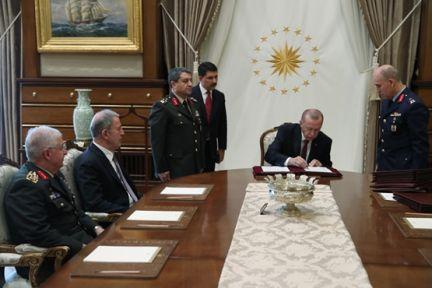 Cumhurbaşkanı Erdoğan, Yüksek Askerî Şûra kararlarını imzaladı