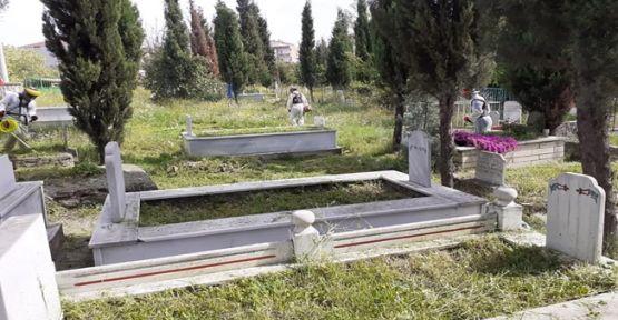 Dilovası'nda mezarlıklara bayram temizliği