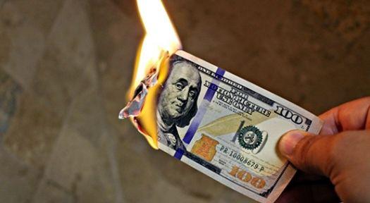 Dolar'a Rus hamlesi başladı