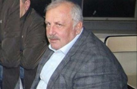 Eski Müsteşar yardımcısı evinde ölü bulundu