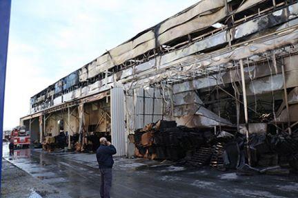 Fabrika yangınında büyük hasar