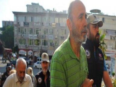 FETÖ'den tutuklanan vali ve emniyet müdürü Kocaeli'ye nakledilecek