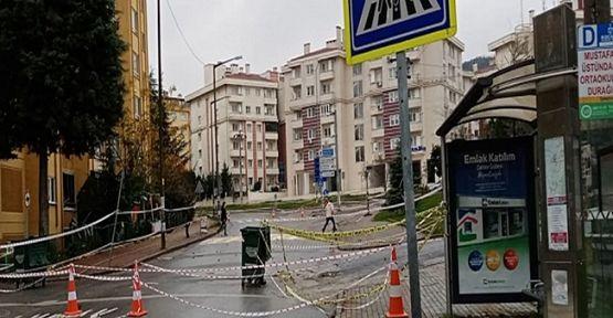 Gebze-Darıca Metro hattının istasyonun olduğu alanda çökme meydana geldi