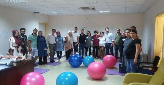 Gebze Fatih Devlet Hastanesi Gebe Okulu Eğitimlere Devam Ediyor