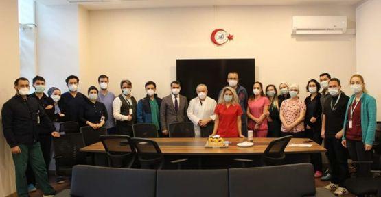 Gebze Fatih Devlet Hastanesinden 100. Açık Kalp Ameliyatı Sonrası Kutlama