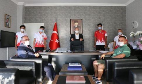 Gebze Tenis Kulübü Aktürk'ü ziyaret etti