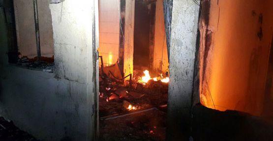 Gebze'de çıkan gece yangını