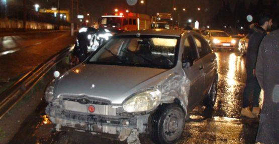 Gebze'de Zincirleme Kaza:2 Yaralı