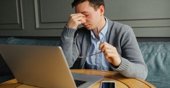 Geçmeyen baş ağrısının sebebi gözleriniz olabilir