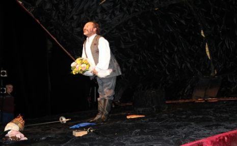 ''Hamlet'' Kocaeli Şehir Tiyatroları'nda