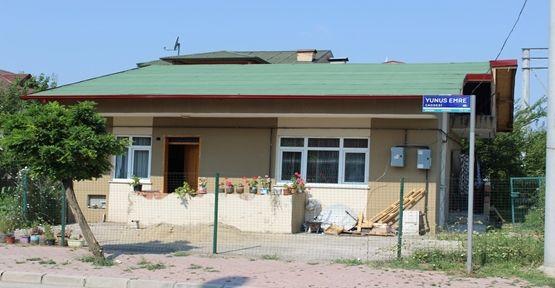 İhtiyaç sahiplerinin çatılarını örülüyor