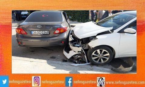 İki otomobil çarpıştı:4 yaralı