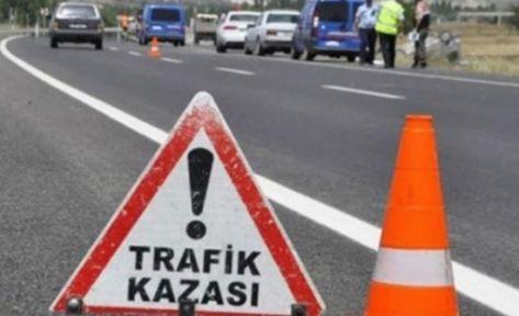 İzmit'te otomobil yan yattı