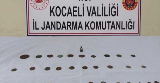 Jandarma ekipleri tarihi eser satan kişiyi yakaladı