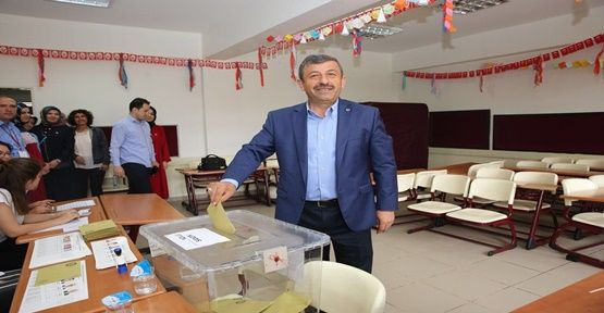 Karabacak, 1373 nolu sandıkta oyunu kullandı