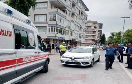 Karamürsel'de otomobilin çarptığı yaya yaralandı