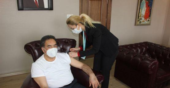 Kaymakam Mustafa Güler Covid-19 Aşısı Oldu
