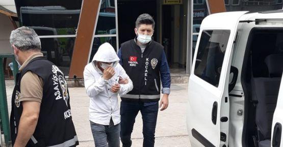 Kendilerini polis olarak tanıtıp dolandırıcılık yapan 2 zanlı tutuklandı
