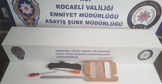 Kocaeli'de evlere giren hırsızlar yakalandı!