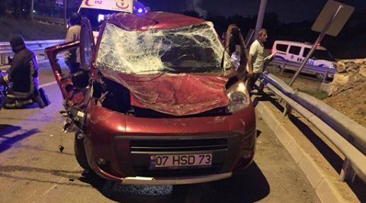 Kocaeli'de trafik kazasında: 1 ölü, 2 yaralı