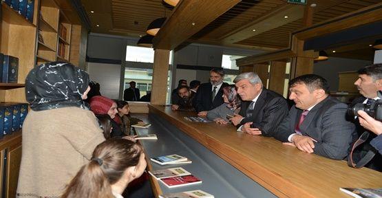Kocaeli'nin modern halk kütüphanesi açıldı
