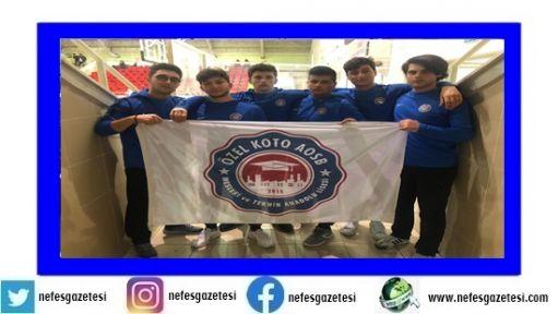 KOTO Okulu öğrencileri Bilek Güreşi'nde ilk 3'e yerleşti