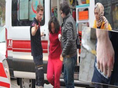 Kriz geçiren genç kız 112 personelinin elini ısırdı
