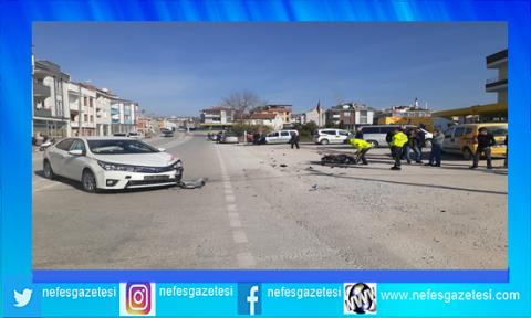 Motosiklet ve otomobil çarpıştı:2 ağır yaralı