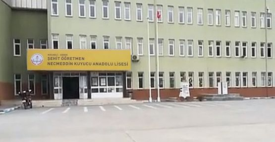 Okul Yolunda 2 Öğrenciye Araba Çarptı