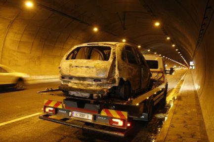 Orhangazi Tünelinde Otomobil Yandı