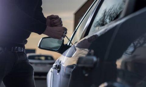 Otomobil hırsızlığı şüphelisi 4 kişi yakalandı