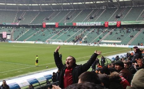 Özel konuklar Kocaelispor maçını izledi