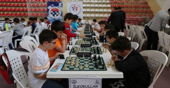 Satranç Turnuvası Büyük İlgi Gördü