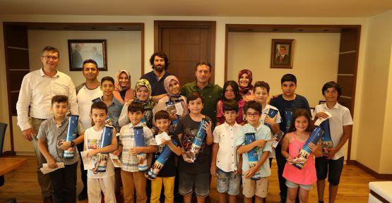 Satrançın Şampiyonları Başkan Demirci'yi Ziyaret Etti