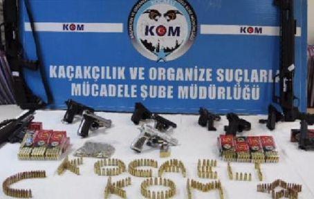 Silah Kaçakçılarına Operasyon