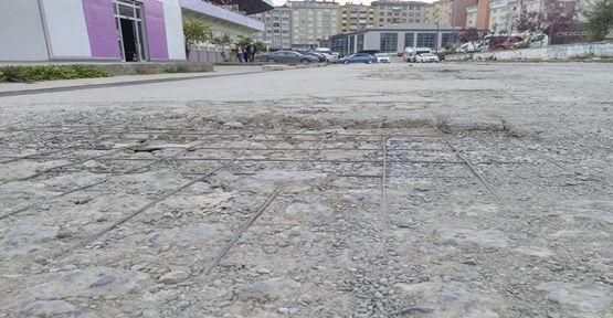 Stadyum Yolu Dökülüyor!