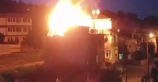 Tandır ateşinden sıçrayan kıvılcımlar çatıyı yaktı